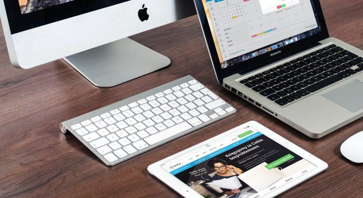 apple-desk-imac-39284-715x390